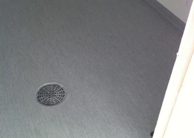 Märkätilan mattotyö