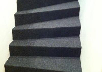 Neulehuopaa portaisiin